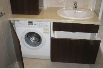 Плюсы тумбы под стиральную машину и раковину