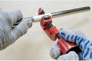 Ручные и электрические труборезы труб из стали