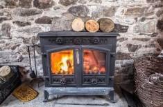 Специфика эксплуатации дровяных печей длительного горения