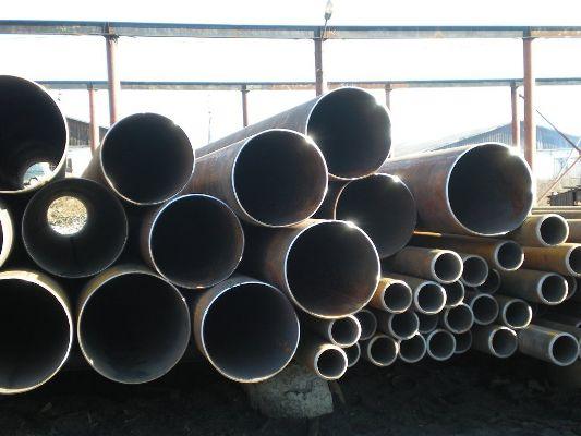 трубы на складе изготовителя