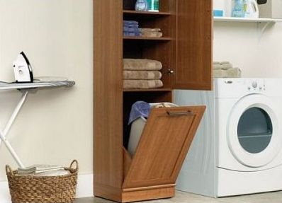 обычный пенал-шкаф для ванны с откидной полкой для белья