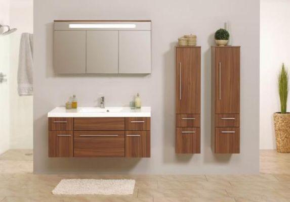 комплекты мебели с шкафчиками и зеркалами для ванной комнаты