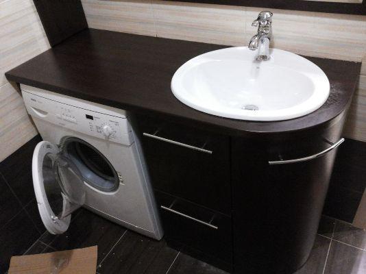 стиральная машинка в тумбе с раковиной