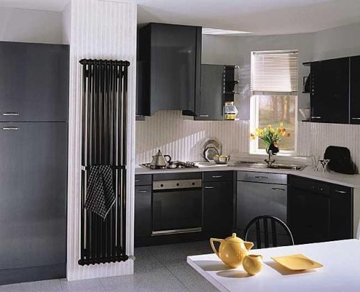 радиатор не видно на кухне в доме