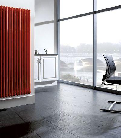 стальной радиатор в современной квартире