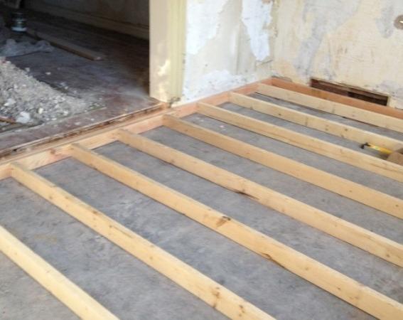на бетонном перекрытии