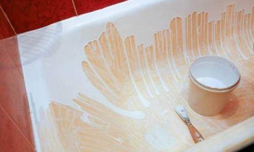 жидкий акрил стекает по ванне