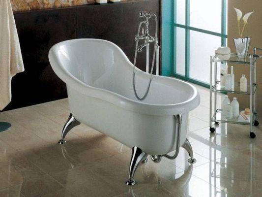 чугунная ванна на ножках