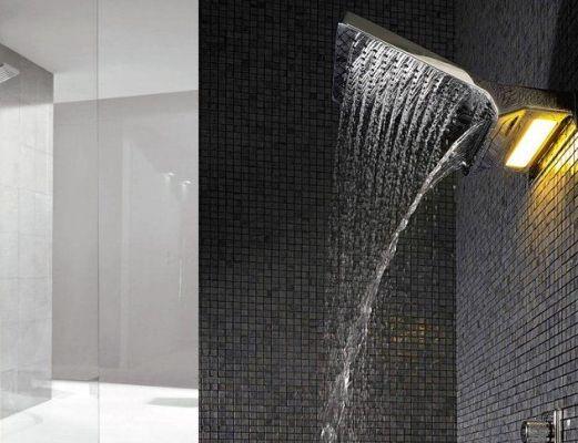 панель с тропическим душем