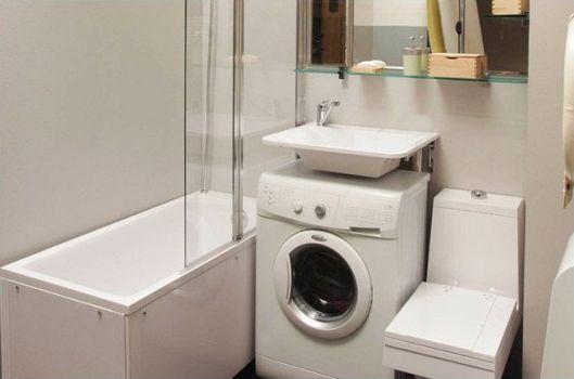 раковина в ванной между туалетом и ванной