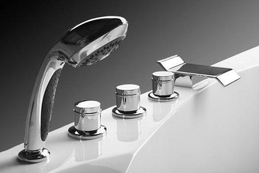 вариант смесителя на бортике ванны