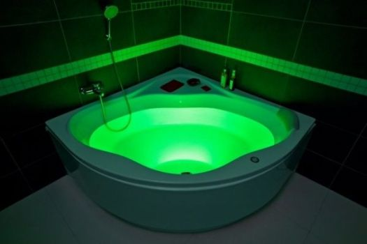 ванна тритон с подсветкой