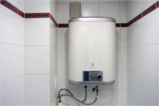 водонагреватель в туалете