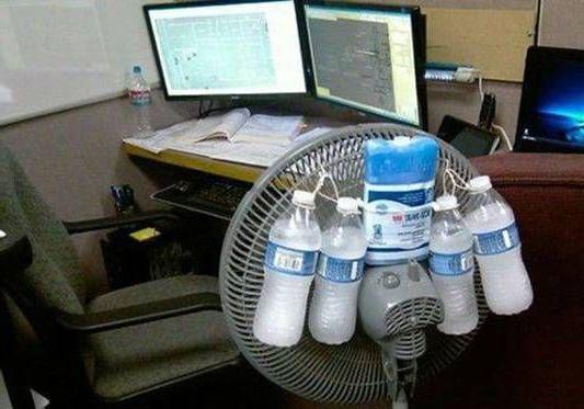 приделать бутылки со льдом