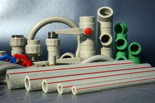 пластиковые трубы и фитинги для загородного отопления