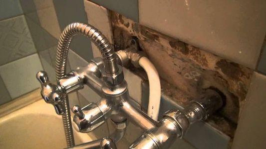 установка нового смесителя в ванную комнату