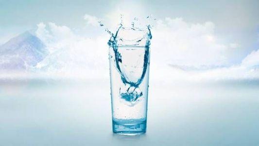 стакан чистой воды из колодца