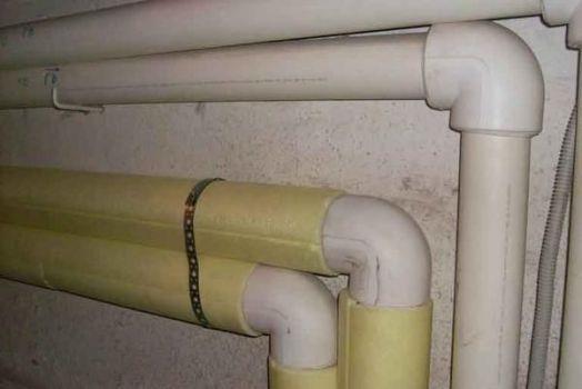 проведение и утепление водопровода от скважины и в доме